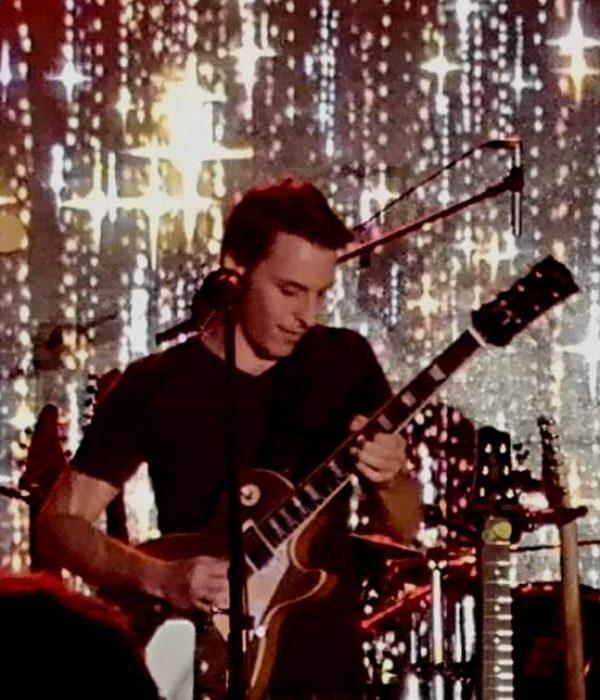 Phillip Ratschke Guitar 4